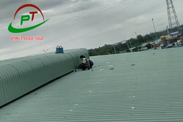 Công trình chống nóng mái tôn tại công ty Saigon ve wong